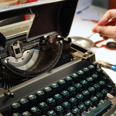 Typewriter Cleaning Process (photos)