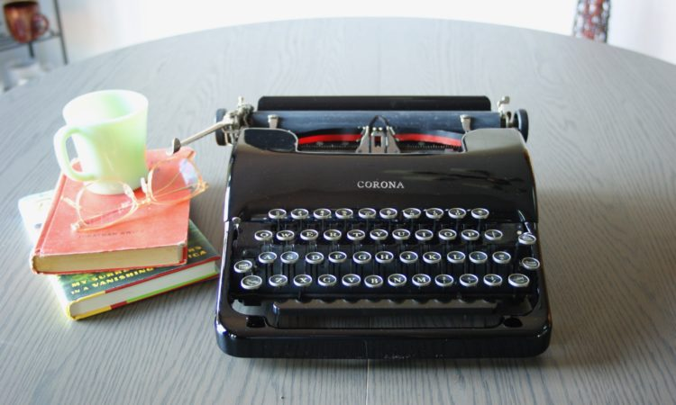 1938 Corona vintge typewriter - jot and tittle typewriters